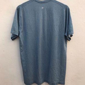 LULULEMON large short sleeve